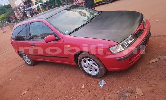 Acheter Occasions Voiture Nissan Almera Rouge à Bamako au Mali