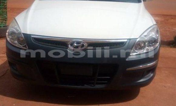 Acheter Occasions Voiture Hyundai Elantra Blanc à Bamako au Mali