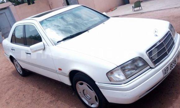 Acheter Neuf Voiture Mercedes‒Benz C–Class Blanc à Bamako, Mali