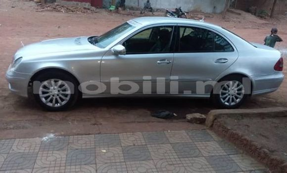 Acheter Occasion Voiture Mercedes‒Benz E–Class Gris à Bamako, Mali