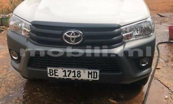 Acheter Occasion Voiture Toyota Hilux Blanc à Bamako, Mali