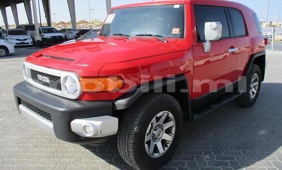 Acheter Occasion Voiture Toyota FJ Cruiser Rouge à Bamako, Mali