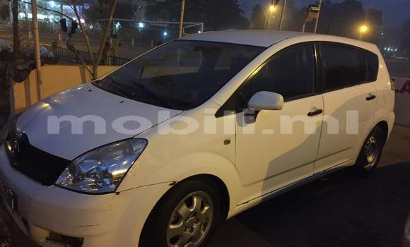Acheter Occasion Voiture Toyota Verso Blanc à Bamako, Mali
