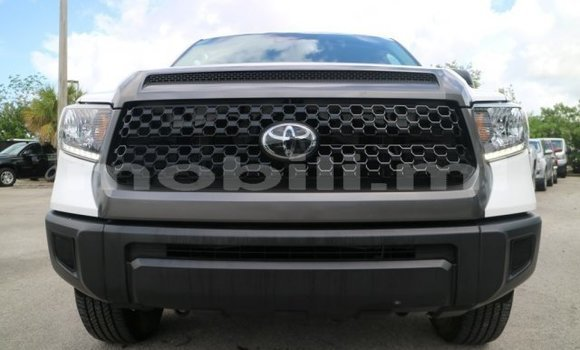 Acheter Occasion Voiture Toyota Tundra Blanc à Bamako, Mali