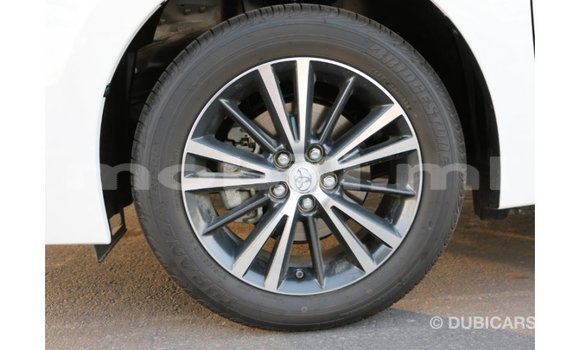 Acheter Importé Voiture Toyota Corolla Blanc à Import - Dubai, Mali