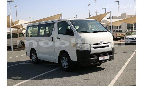 Acheter Importé Voiture Toyota Hiace Blanc à Import - Dubai, Mali
