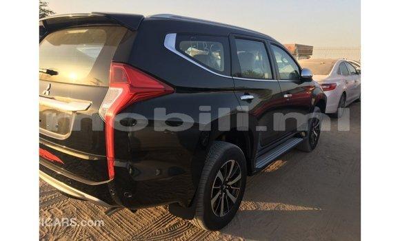 Acheter Importé Voiture Mitsubishi Montero Noir à Import - Dubai, Mali