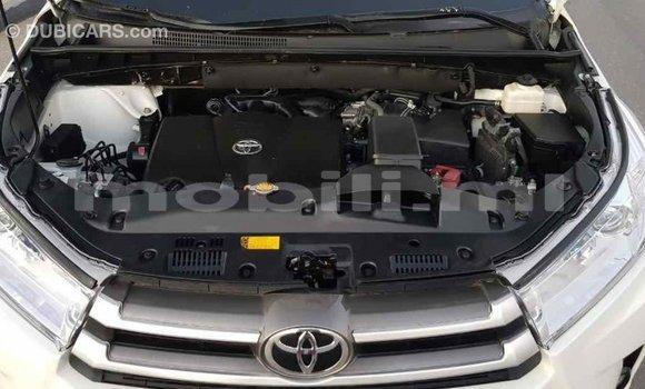 Acheter Importé Voiture Toyota Highlander Blanc à Import - Dubai, Mali