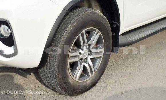 Acheter Importé Voiture Toyota Fortuner Blanc à Import - Dubai, Mali