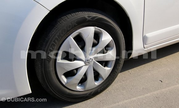 Acheter Importé Voiture Toyota Yaris Blanc à Import - Dubai, Mali
