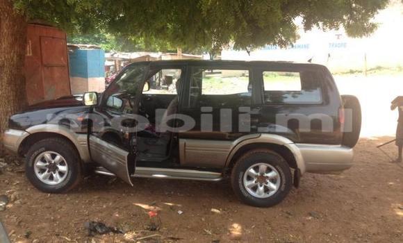 Acheter Occasions Voiture Nissan Terrano Vert à Bamako au Mali