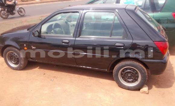 Acheter Occasions Voiture Ford Fiesta Bleu à Bamako au Mali
