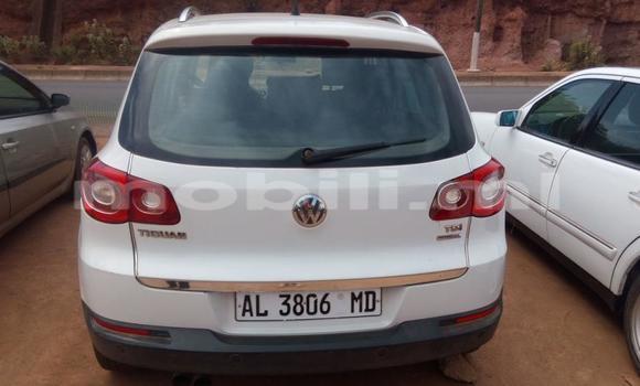 Acheter Occasion Voiture Volkswagen Touareg Blanc à Bamako, Mali