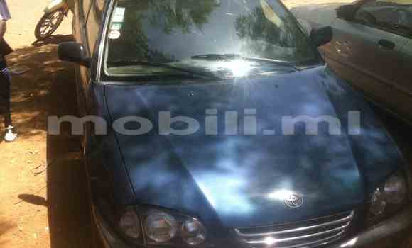Acheter Occasion Voiture Toyota Avensis Bleu à Mopti, Mali