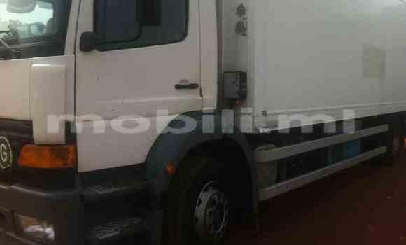 Acheter Occasions Voiture Mercedes‒Benz 190 Blanc à Bamako au Mali