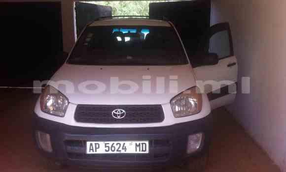 Acheter Occasions Voiture Toyota RAV4 Blanc à Kati au Mali