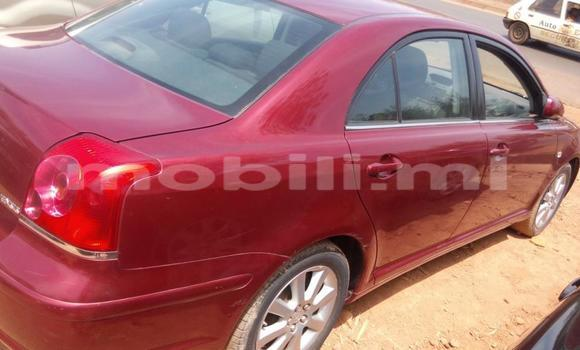 Acheter Occasion Voiture Toyota Avensis Rouge à Bamako, Mali