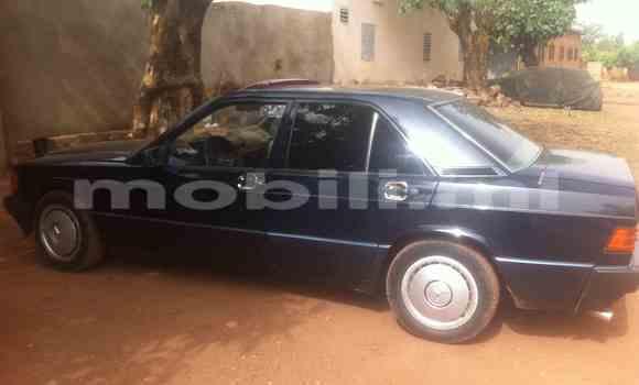 Acheter Occasions Voiture Mercedes‒Benz 190 Bleu à Kati au Mali