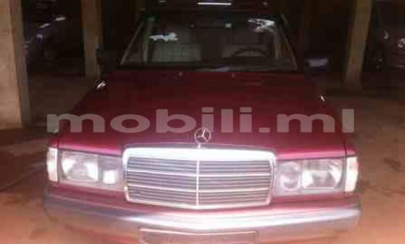 Acheter Occasion Voiture Mercedes-Benz 190 Rouge à Bamako, Mali