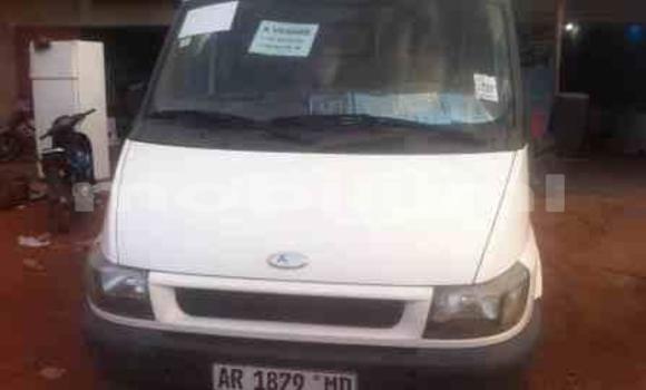 Acheter Occasions Voiture Ford E–Series Van Blanc à Bamako au Mali