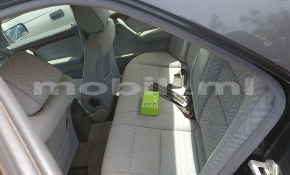 Acheter Occasions Voiture Mercedes‒Benz C–Class Noir à Bamako au Mali