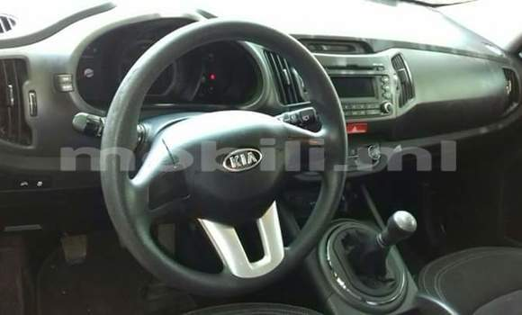 Buy Used Kia Sportage White Car in Bamako in Mali