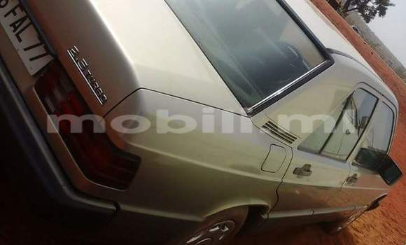 Acheter Occasion Voiture Mercedes-Benz 190 Beige à Bamako, Mali
