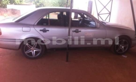 Acheter Occasion Voiture Mercedes‒Benz C-Class Gris à Kati au Mali