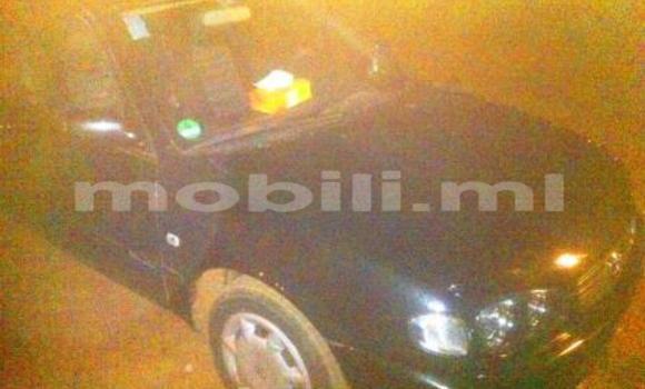 Acheter Occasion Voiture Toyota Corolla Bleu à Kati au Mali