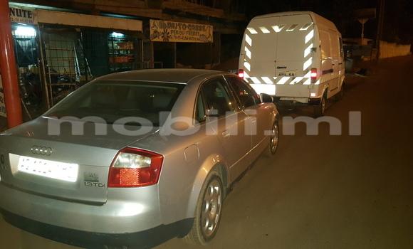Acheter Occasions Voiture Audi A4 Gris à Bamako au Mali