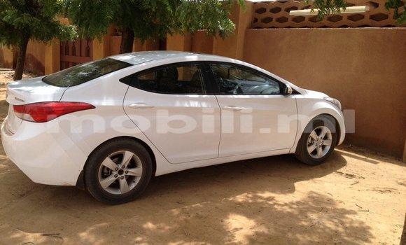 Acheter Occasion Voiture Hyundai Elantra Blanc à Gao, Mali