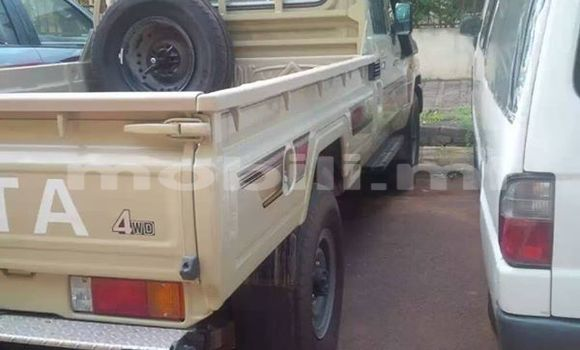 Acheter Neuf Voiture Toyota Hilux Noir à Bamako au Mali