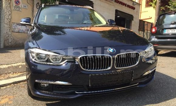 Medium with watermark bmw 3%e2%80%93series kayes bafoulabe 5916