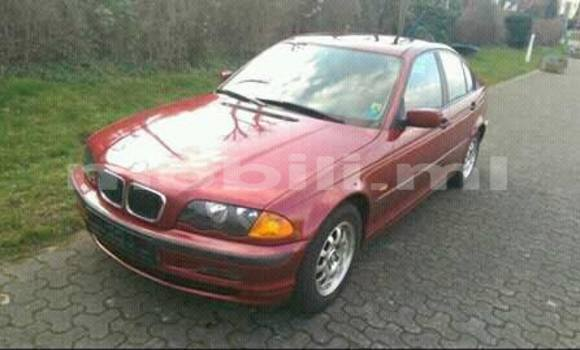 Acheter Occasions Voiture BMW 3-Series Rouge à Bamako au Mali