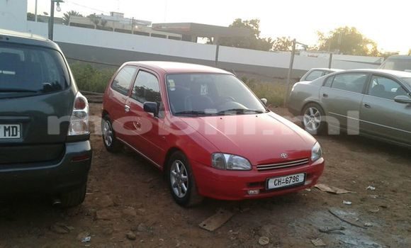 Acheter Occasions Voiture Toyota Starlet Rouge à Bamako au Mali