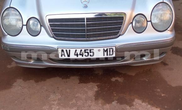 Acheter Occasion Voiture Mercedes-Benz 200 Gris à Bamako, Mali