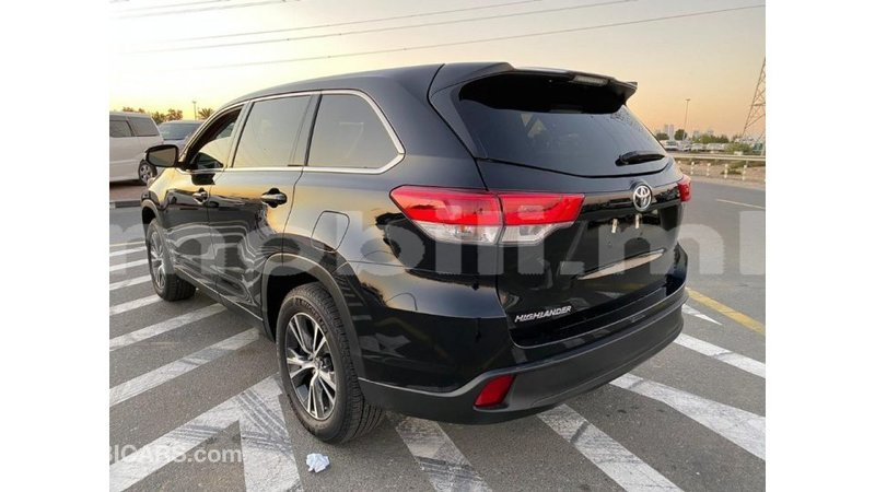 Big with watermark toyota highlander mali import dubai 6443