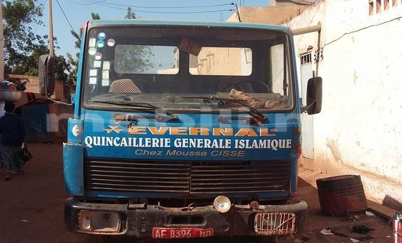 Acheter Occasion Voiture Mercedes‒Benz Esprit Bleu à Bamako, Mali
