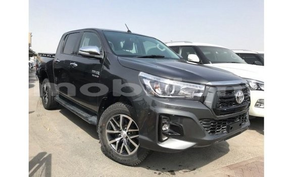 Medium with watermark toyota hilux mali import dubai 6905