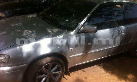 Acheter Occasions Voiture Toyota Yaris Gris à Bamako au Mali