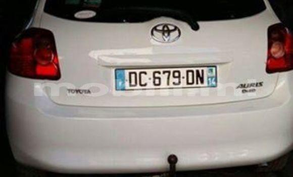 Acheter Occasion Voiture Toyota Auris Blanc à Bamako au Mali