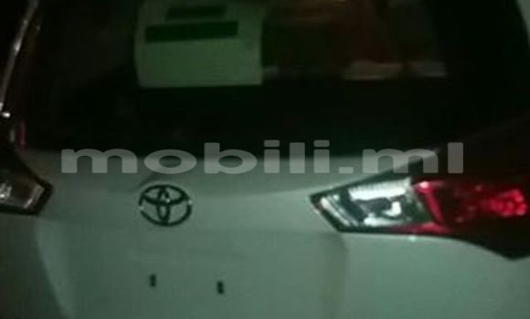Acheter Occasion Voiture Toyota RAV4 Blanc à Bamako, Mali