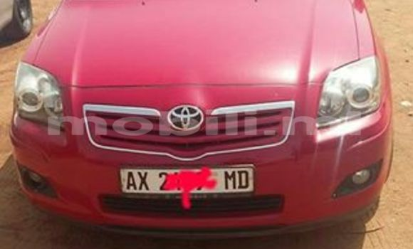 Acheter Occasion Voiture Toyota Avensis Rouge à Bamako, Mali