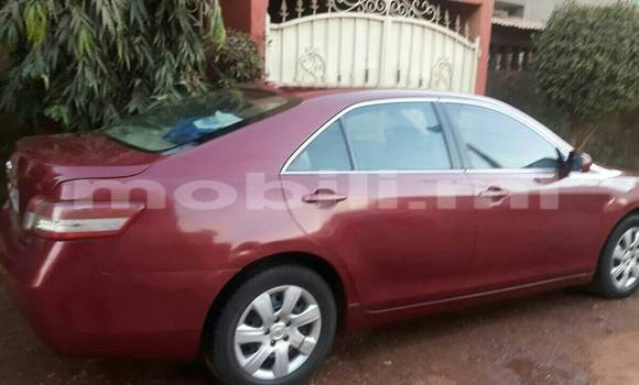 Acheter Occasion Voiture Toyota Camry Rouge à Bamako au Mali