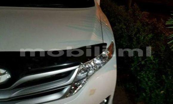 Acheter Occasion Voiture Toyota Venza Blanc à Bamako au Mali