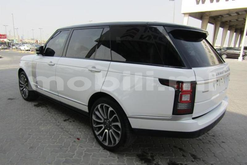 Big with watermark land rover range rover tombouctou araouane 7984
