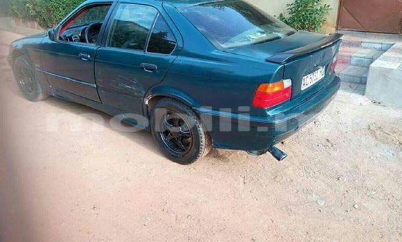 Acheter Occasion Voiture BMW 3-Series Bleu à Bamako au Mali