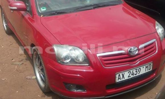 Acheter Occasions Voiture Toyota Avensis Rouge à Bamako au Mali