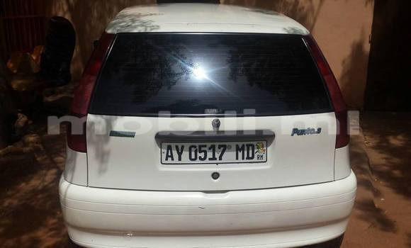 Acheter Occasions Voiture Fiat Punto Blanc à Bamako au Mali