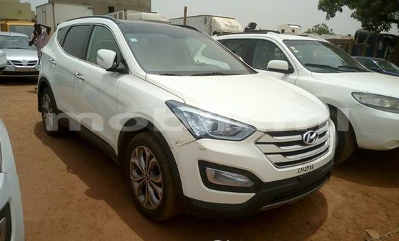 Acheter Occasions Voiture Hyundai Santa Fe Blanc à Bamako au Mali